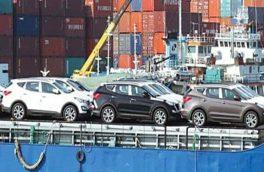 مخالفت رئیس کل بانک مرکزی با ترخیص خودروهای وارداتی