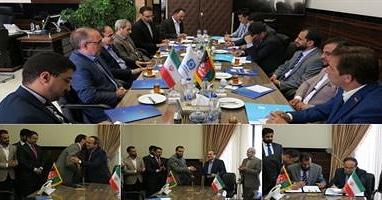عکس از سند برنامه مشترک همکاری بیمه ای ایران و افغانستان امضا شد
