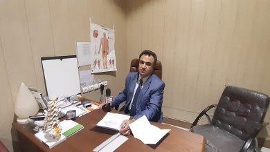 عکس از مصاحبه پایگاه خبری اقتصادناب با دکتر پژمان سلیمانی جراح نام آشنای کرمانشاهی