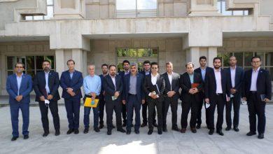 عکس از تقدیر مدیران بیمه استان کرمانشاه از دکتر حاتمی معاونت اقتصادی استانداری